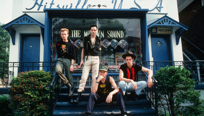 O Clash, já com o baterista Terry Chimes