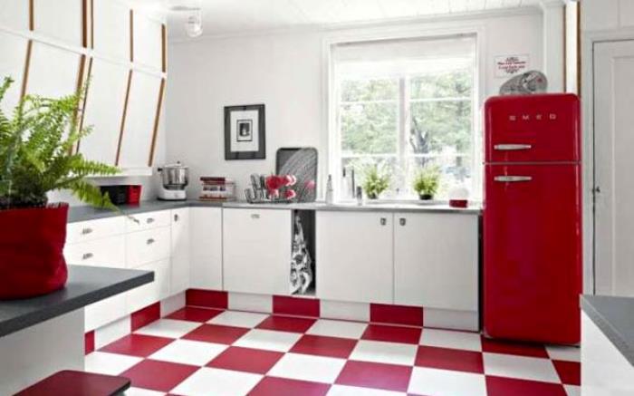 geladeira retrô vermelha
