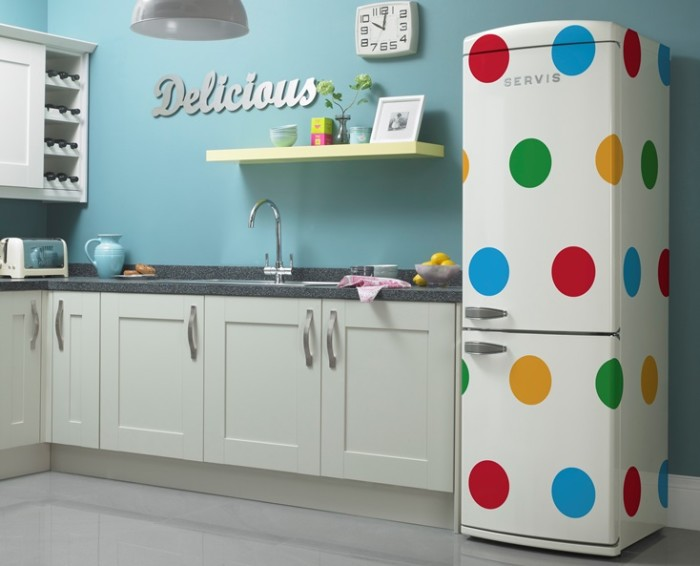 geladeira retrô de bolinhas