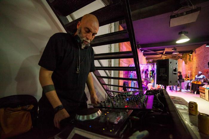 Idealizador do Bazar Cafofo, ator, produtor cultural, Luiz Fernando também discoteca (Foto: Divulgação)