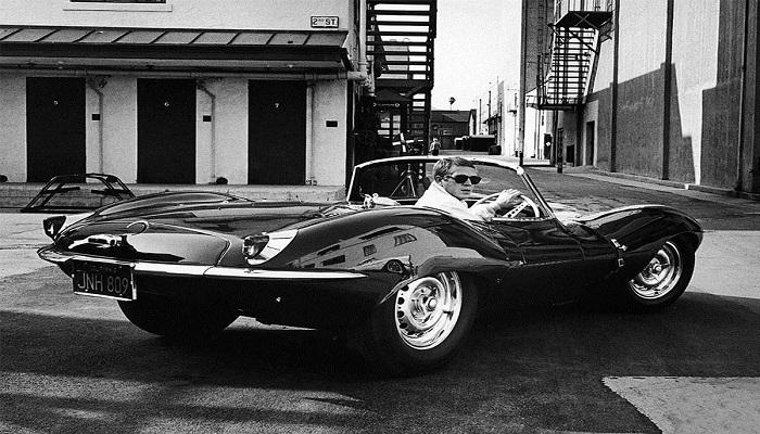 Ator Steve McQueen e seu Jaguar XKSS