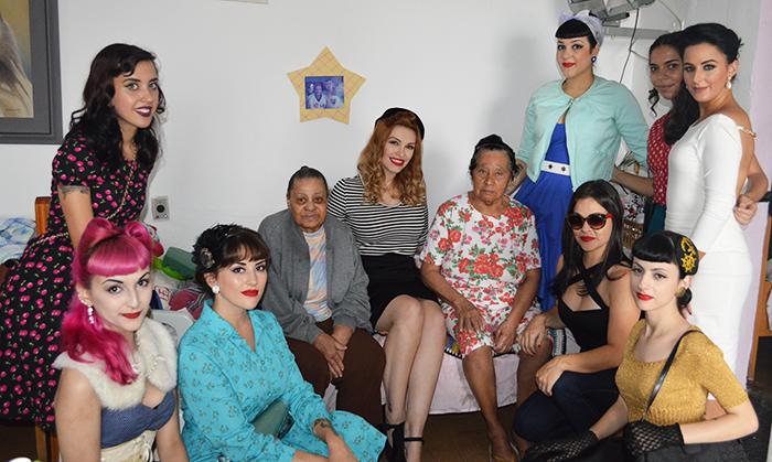 Pin-ups com idosas do Lar das Mãezinhas