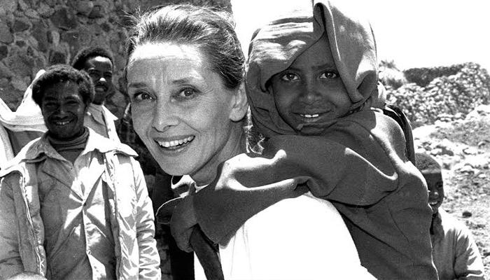 Audrey em uma das missões da Unicef
