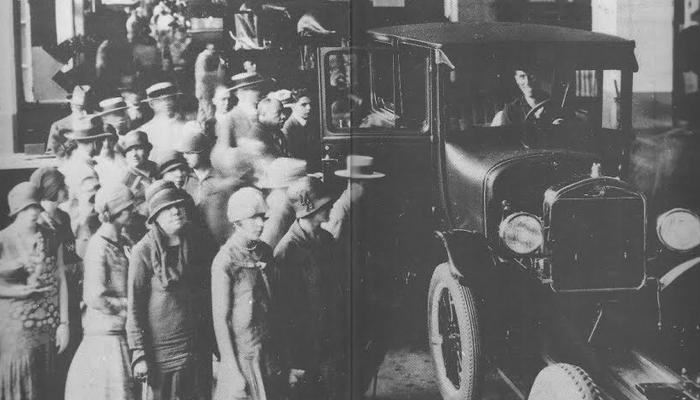 Salão do Automóvel realizado na década de 20
