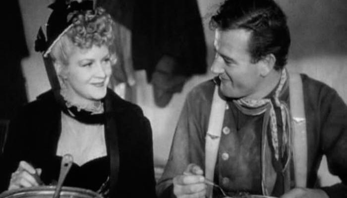 Claire Trevor e John Wayne
