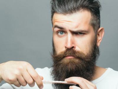 m penteando barba
