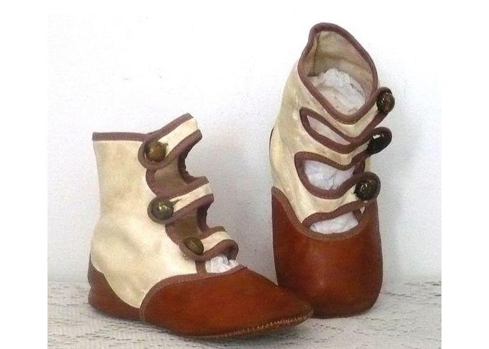Sapato infantil eduardiano
