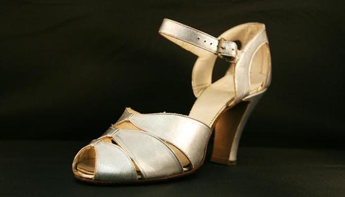 Sapato Peep Toe dos anos 40