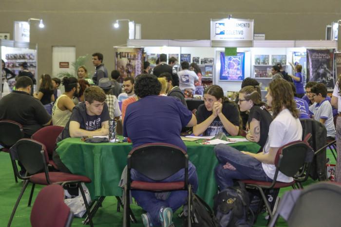 Diversos jogos estavam disponíveis para os visitantes da feira conhecerem (Foto: Cristiane Mattos / Light Press)