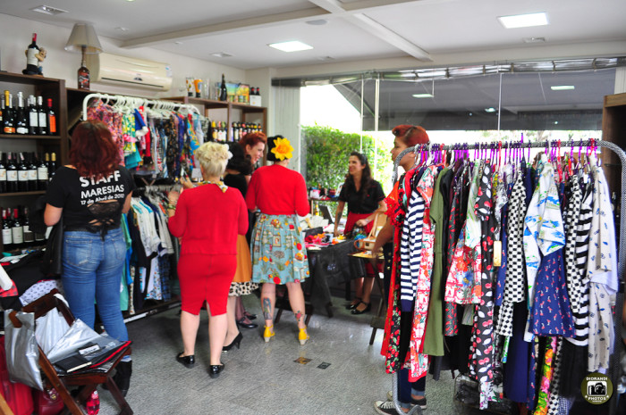 Bazar de marcas retrô (Foto: Diorandi Nagao)