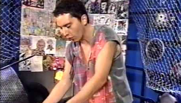 Gastão apresentando programa na MTV