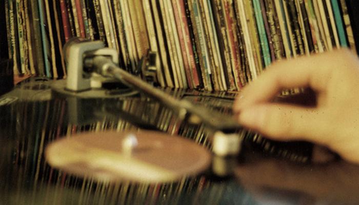 8 dicas de como cuidar do seu disco de vinil Universo Retr u00f4 -> Decorar Com Discos De Vinil