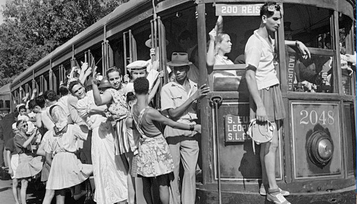 No carnaval de 1941, bonde para Cascadura no RJ