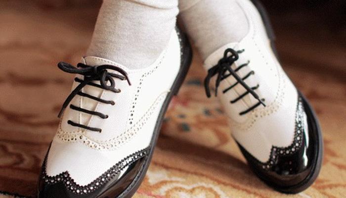 7d13b8c560 Ter estilo é esbanjar personalidade da cabeça aos pés, e por isso é muito  importante dedicar um tempinho na escolha do calçado feminino ideal para  compor o ...