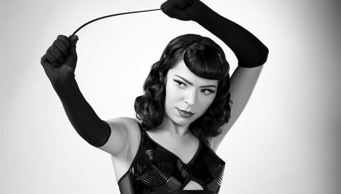 """c0a995cfc Bettie Page é conhecida como a Rainha das Pin-Ups e também considerada """"a  modelo mais fotografada da história"""""""