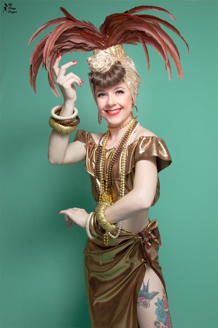 Pin-Up Sweet Valentina como Carmen Miranda