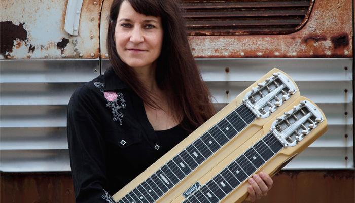 Rose Sinclair com sua Steel Guitar